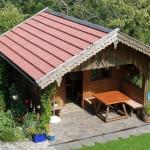 Gemütliche Hütte im Garten
